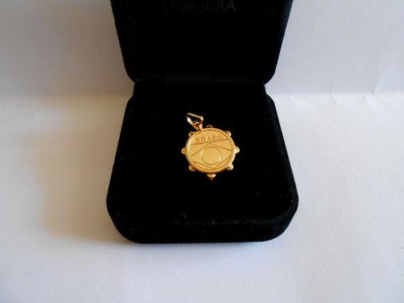 Pingente Pandeiro Duplo (1.70cm X 2.00cm)    Folheado a ouro. Bem feito e Lindo ! R$ 28,00
