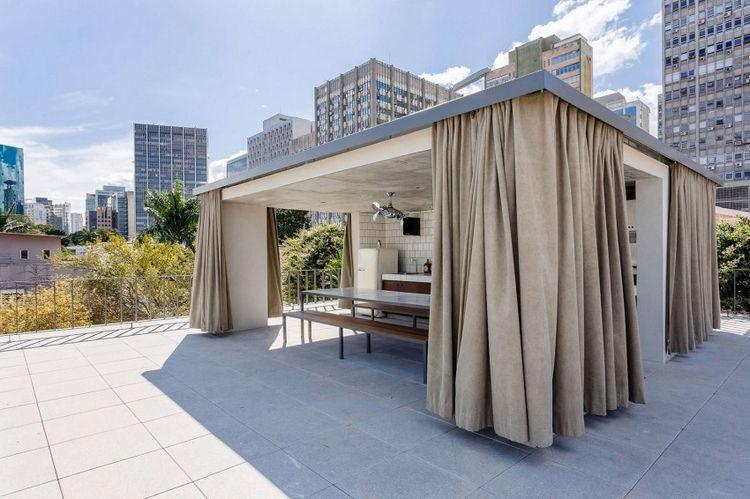 Bardage Claire Voie Vertical Et Horizontal En Bois La Casa Lara Design Exterieur Pergola Design Et Decoration Maison