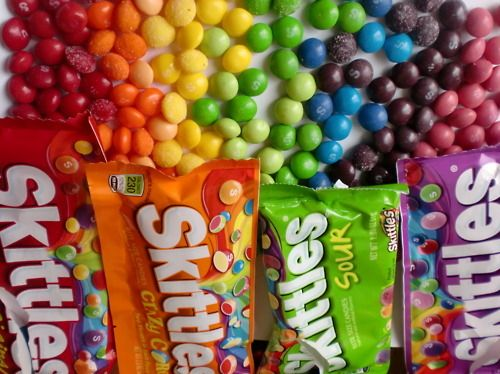 Skittles My Rainbow Candy Cool Candy Pinterest - Pouring hot water on skittles creates a magical rainbow