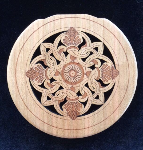 Boxwood with Engraved Celtic Cross End Pin for Guitar 1