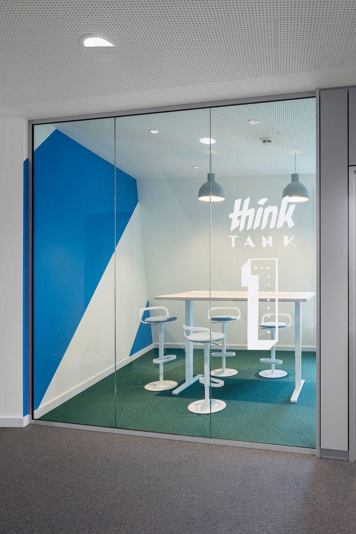office snapshots. Monday Offices - Hamburg Office Snapshots