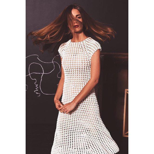 A nova  A exclusividade e a obsessiva precisão técnica aliada ao design de ponta alçam estes vestidos a um novo e raro patamar.