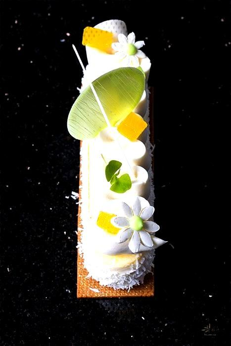 Yogurt, coconut and pineapple cheesecake by Antonio Bachour - Pastry Recipes in So Good Magazine