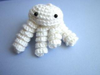 Amigurumi Jellyfish : Ravelry amigurumi jellyfish pattern by lefthanded crochetgirl