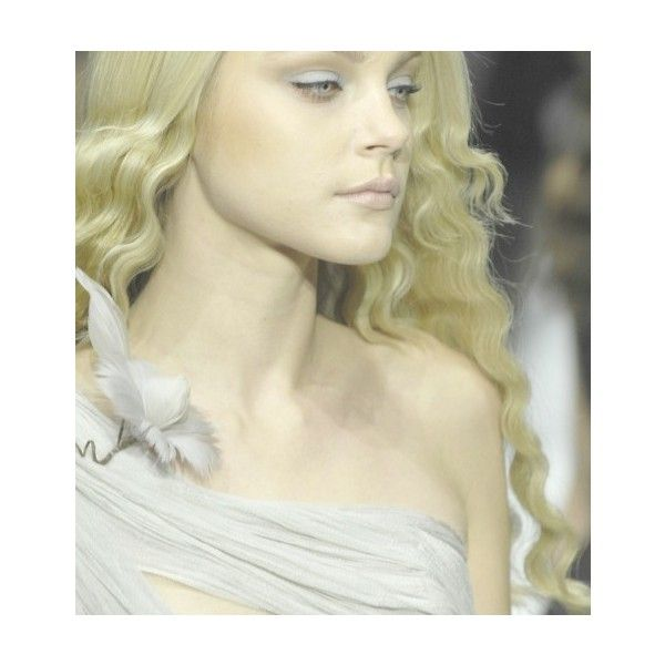 Jessica stam at rodarte fall 2007 ❤ liked on Polyvore featuring tops, blonde, jessica stam, models, people and rodarte