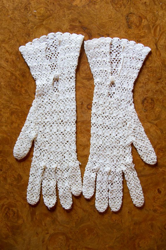 1930\'s Gloves // Ivory Crochet Gauntlet Gloves | Guantes, Tejido y ...