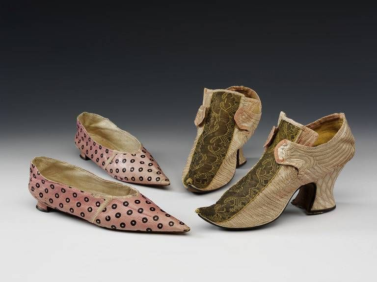#Leather shoes with stenciled decoration, Great Britain, UK ca. 1800