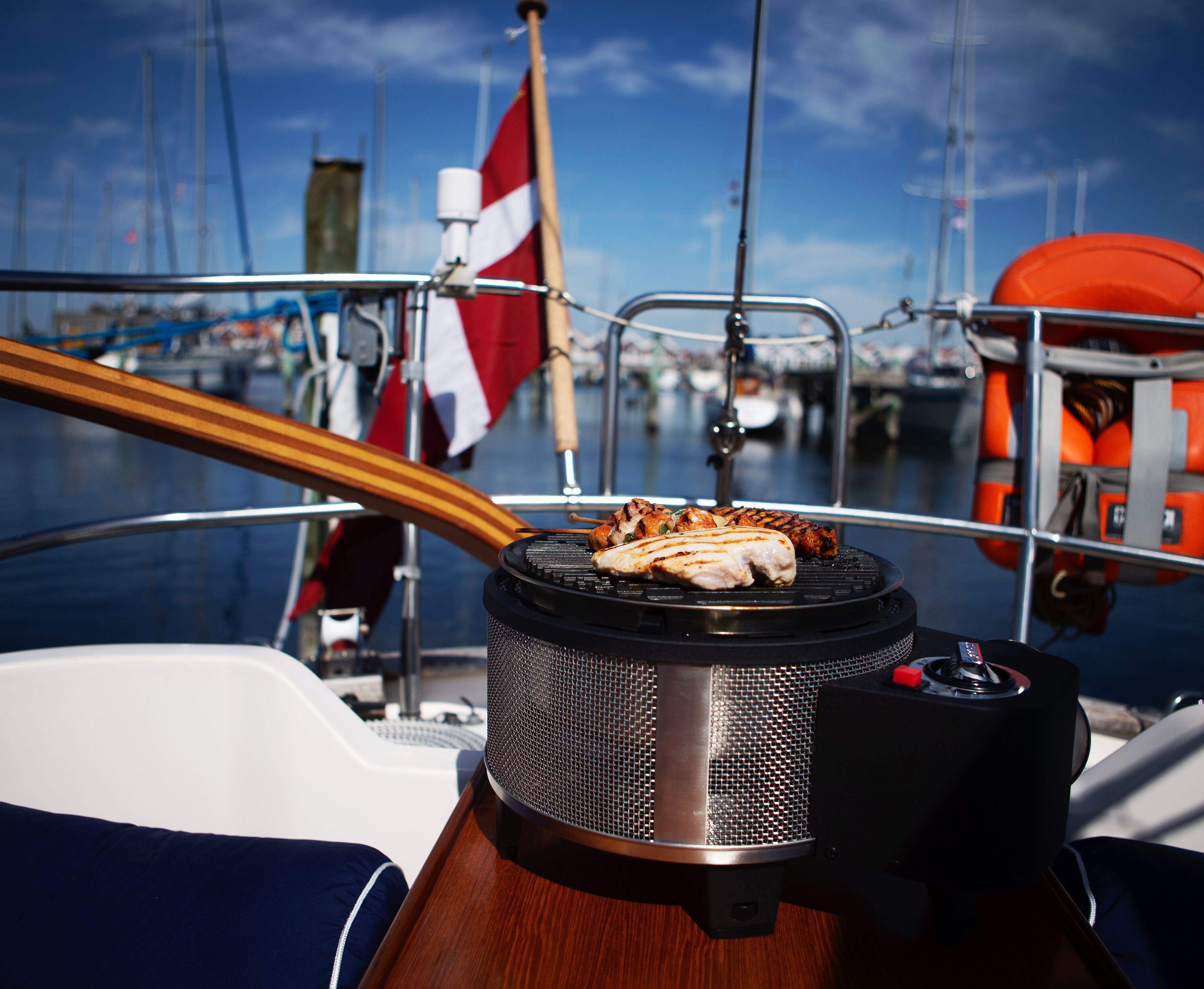 Barbecue at sea