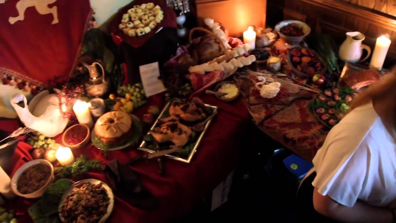 Dinner Party for A Feast of Ice and Fire: The Official Game of Thrones C...