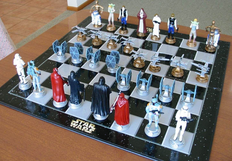 Starwars Chess Set Chess And Checkers Sets Pinterest Mesas