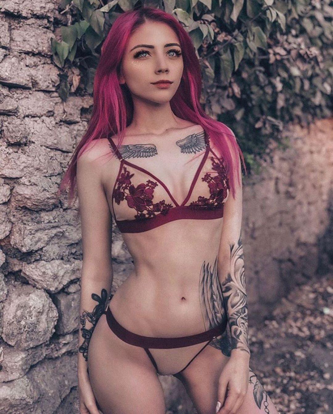GAME OVER❤️ ❤️: @tattooworld4ever 👩🏻🦰: : @kira_braun2  #tattoos #tattoo #ink #inked #tattooed #tattooartist #art #tattooart #tattoolife #tattooing #tattooist #artist #tattoovideo #girlswithtattoos #tattooer #blackwork #inkedup #blackandgreytattoo #inkedgirls #tattooideas #tattooedgirls #tattoostyle #the_art_of_tattoo #more_than_ink #tattoodesign #blackandgrey #instagood #tattooink #tattooworld4ever