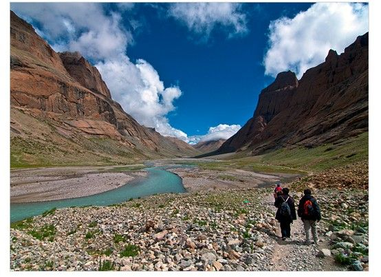 world's best hikes : epic trails  National Geographic  http://adventure.nationalgeographic.com/adventure/trips/best-trails/worlds-best-grail-trails/