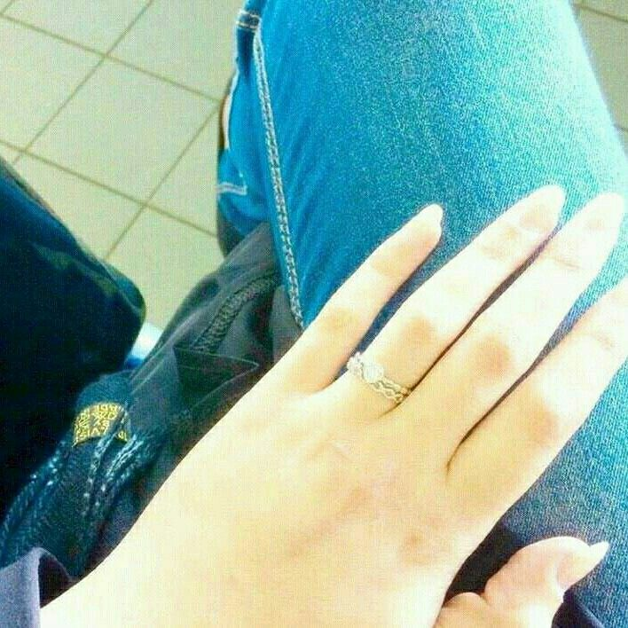 Stylish Girl Girl Hand Pic Girl Photo Poses