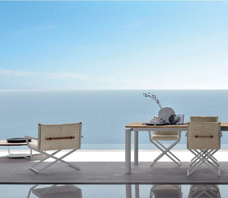 loungemoebel garten sitzgruppe metall leinenstoff Terrasse