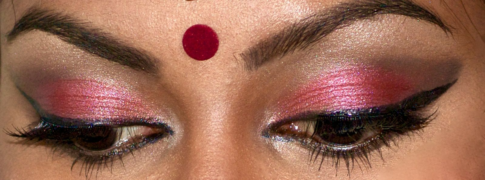 Eyes Eyeshadow Pottu Makeup Artist Hairstyle Artist Toronto Wedding Bridesmaids South Asian Makeup Eyeshadow Wedding Bridesmaids
