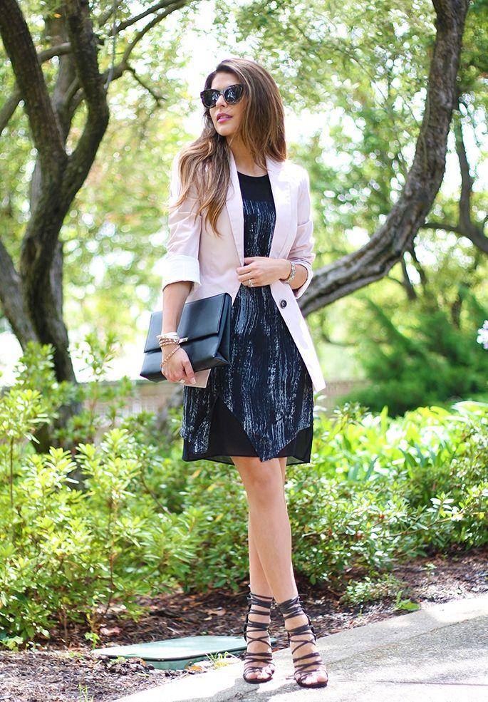 vestir con chaqueta y encaje hasta sandalias