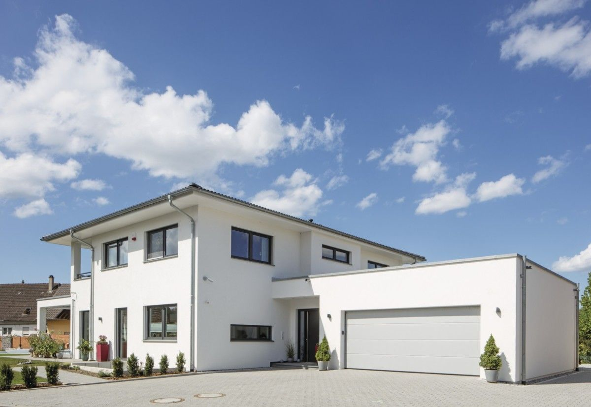 Stadtvilla mit Garage und Walmdach WeberHaus Fertighaus