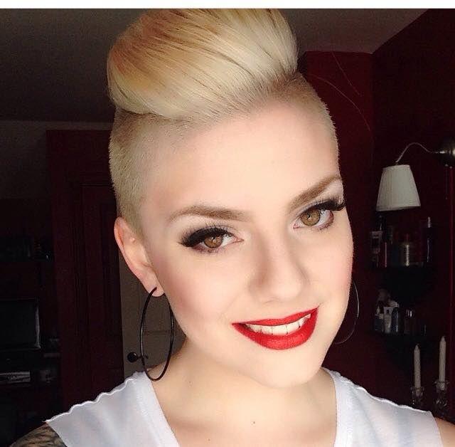 Coupe de cheveux undercut pour femme
