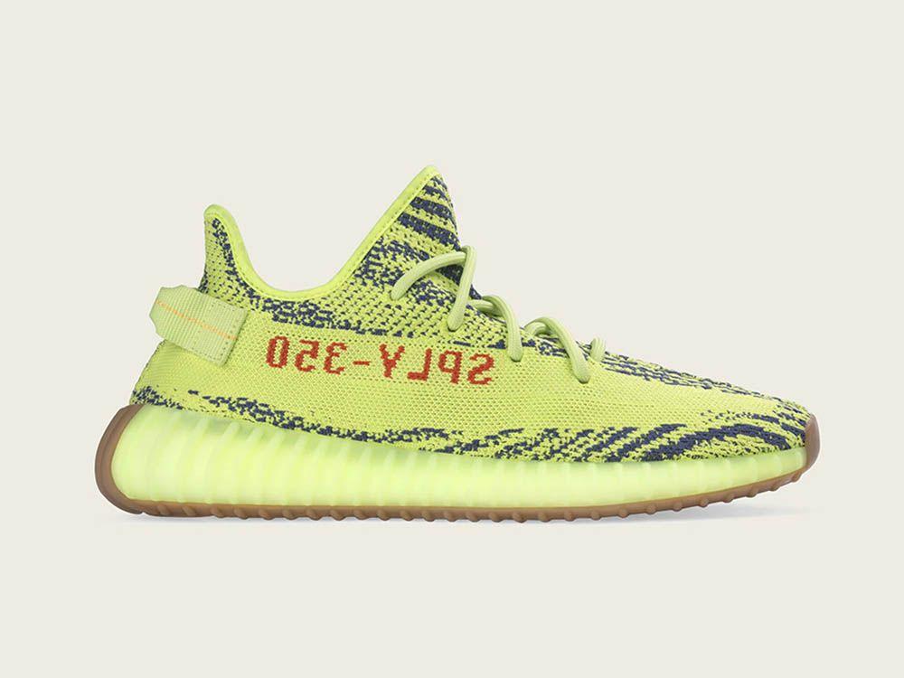 Dowiedz sie gdzie kupic adidas Yeezy Boost 350 V2 w kolorystyce Semi Frozen  Yellow Sprawdz takze
