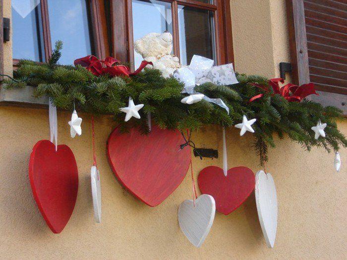 Décoration fenêtre Noël - 80 ambiances de conte de fée - Archzine.fr #deconoelmaisonexterieur
