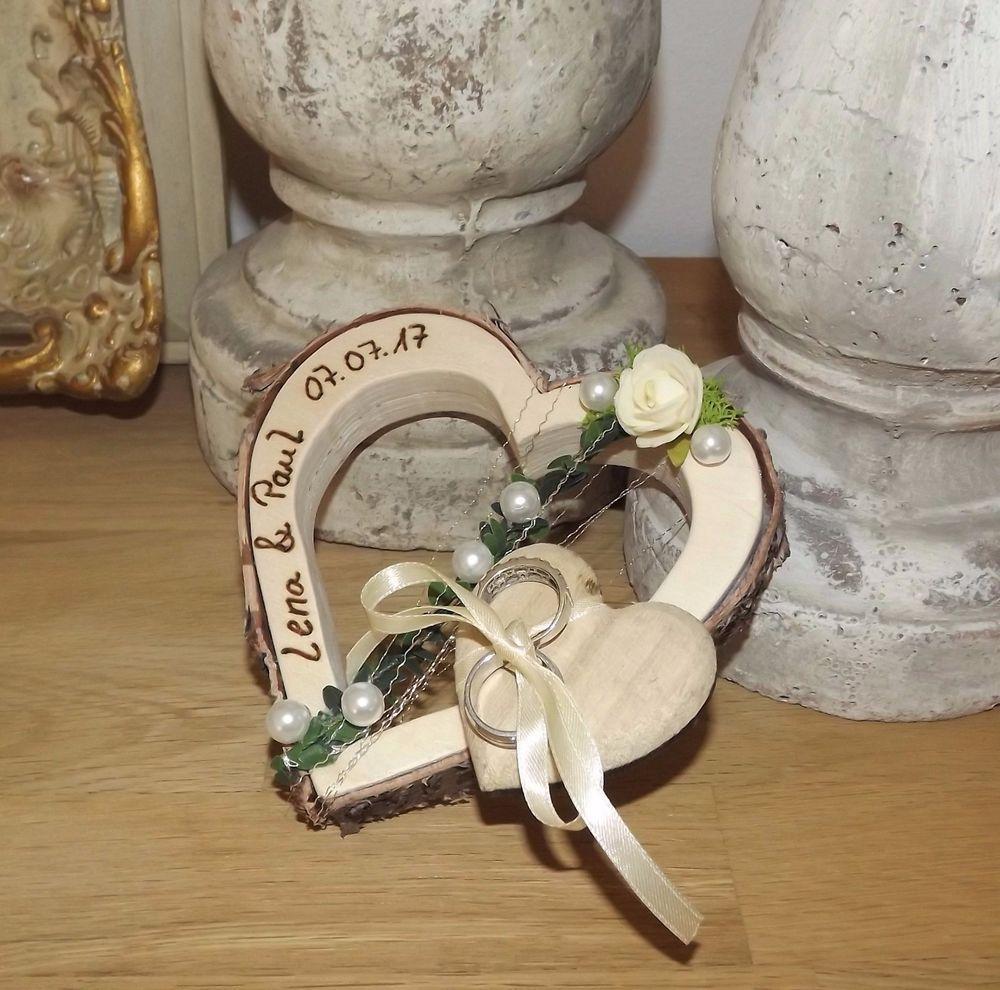 Ringkissen Ringhalter Herz Fur Eheringe Hochzeit Holzherz Mit Beschriftung Namen Anstecker Hochzeit Ringkissen Hochzeit Hochzeitsanstecker