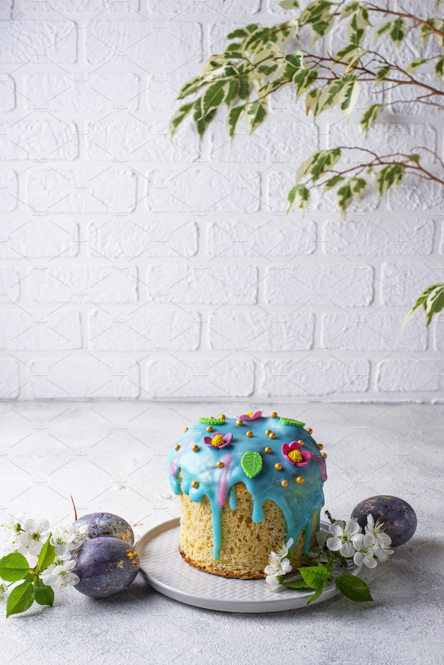 Traditional Easter Cake With Topping In 2020 Traditional Easter Cake Easter Cakes Easter Traditions