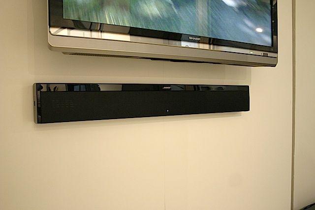 Bose テレビの下につけるスピーカー デザインだけでなく 音質もものすごい スピーカーデザイン デザイン リビング