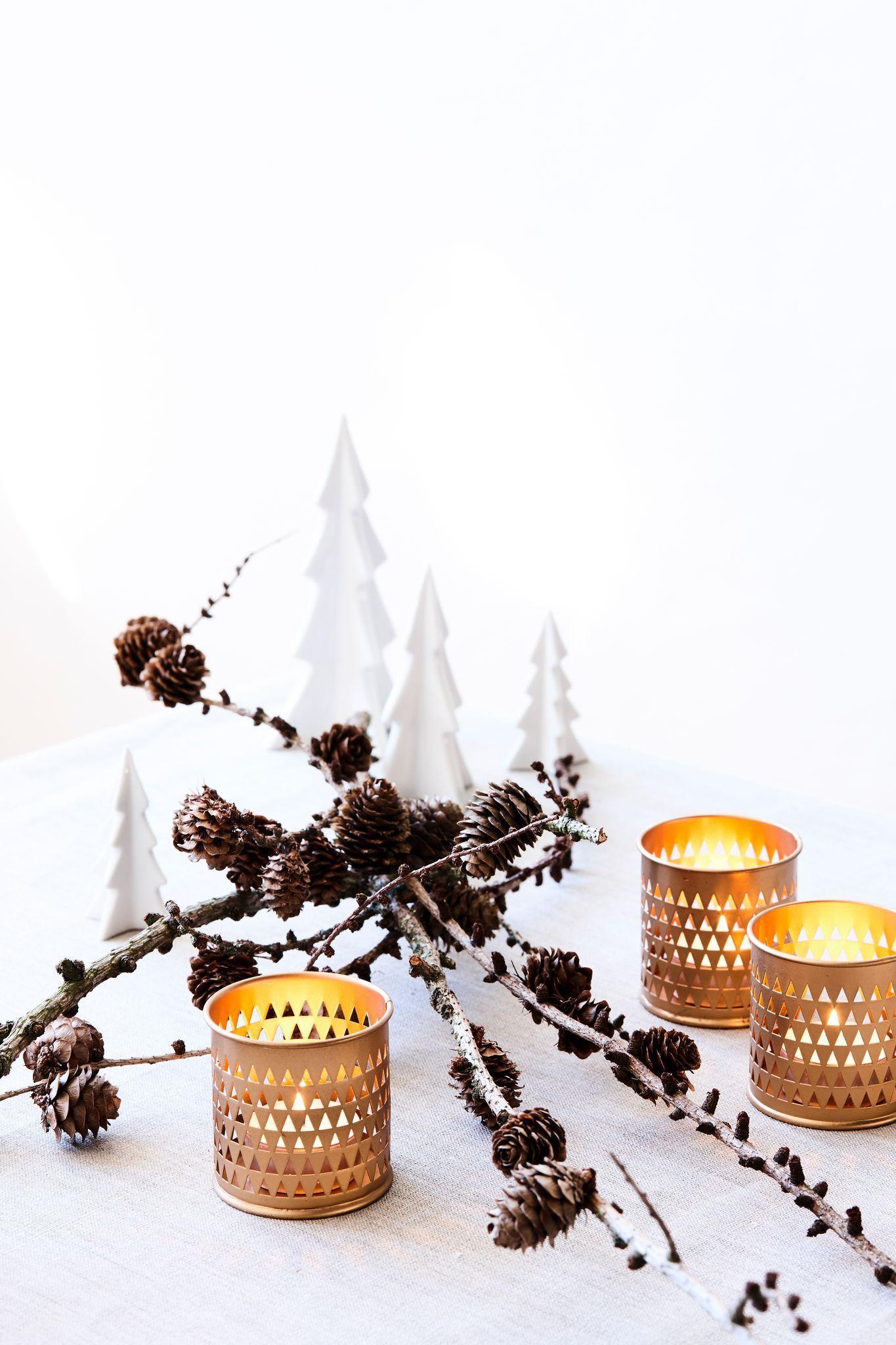 Créer une déco de Noël avec des branches d'arbre