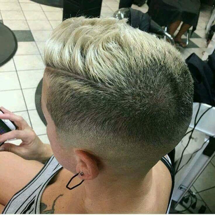capelli cortissimi, per le ragazze che tagliano i