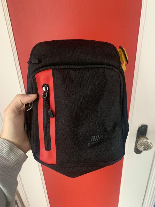 Nike Tech Cross body Bag in 2019 | Nike tech, Crossbody bag