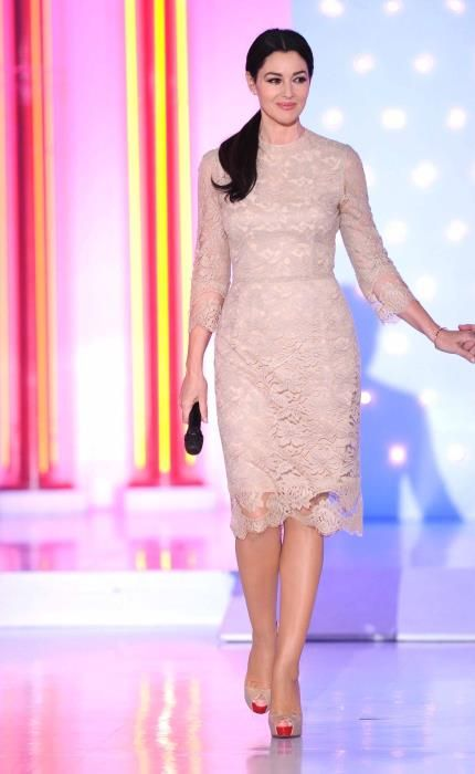 ac69db075 Monica Bellucci in Dolce & Gabbana, France 2, March 2013 | Monica ...