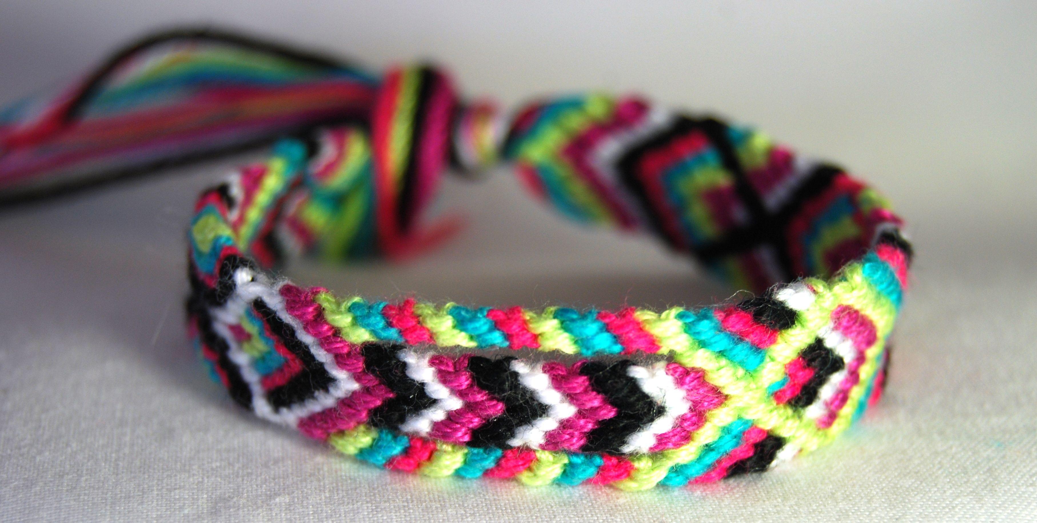 totum design friendship band/ friendship bracelet chevron/ fish ...
