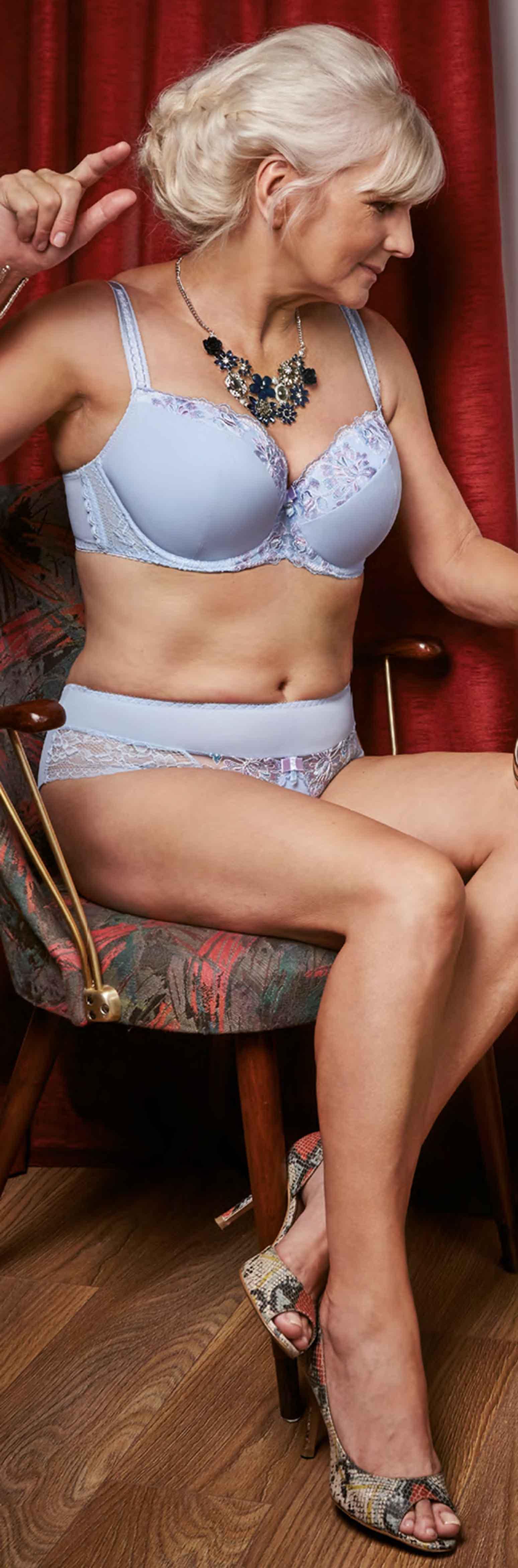 pinveronica lawson on mature and feminine ladies   pinterest