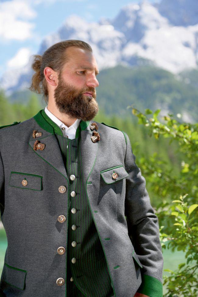 Foto: Manufaktur Grasegger | Meindl lederhosen, Lederhose, Anzug