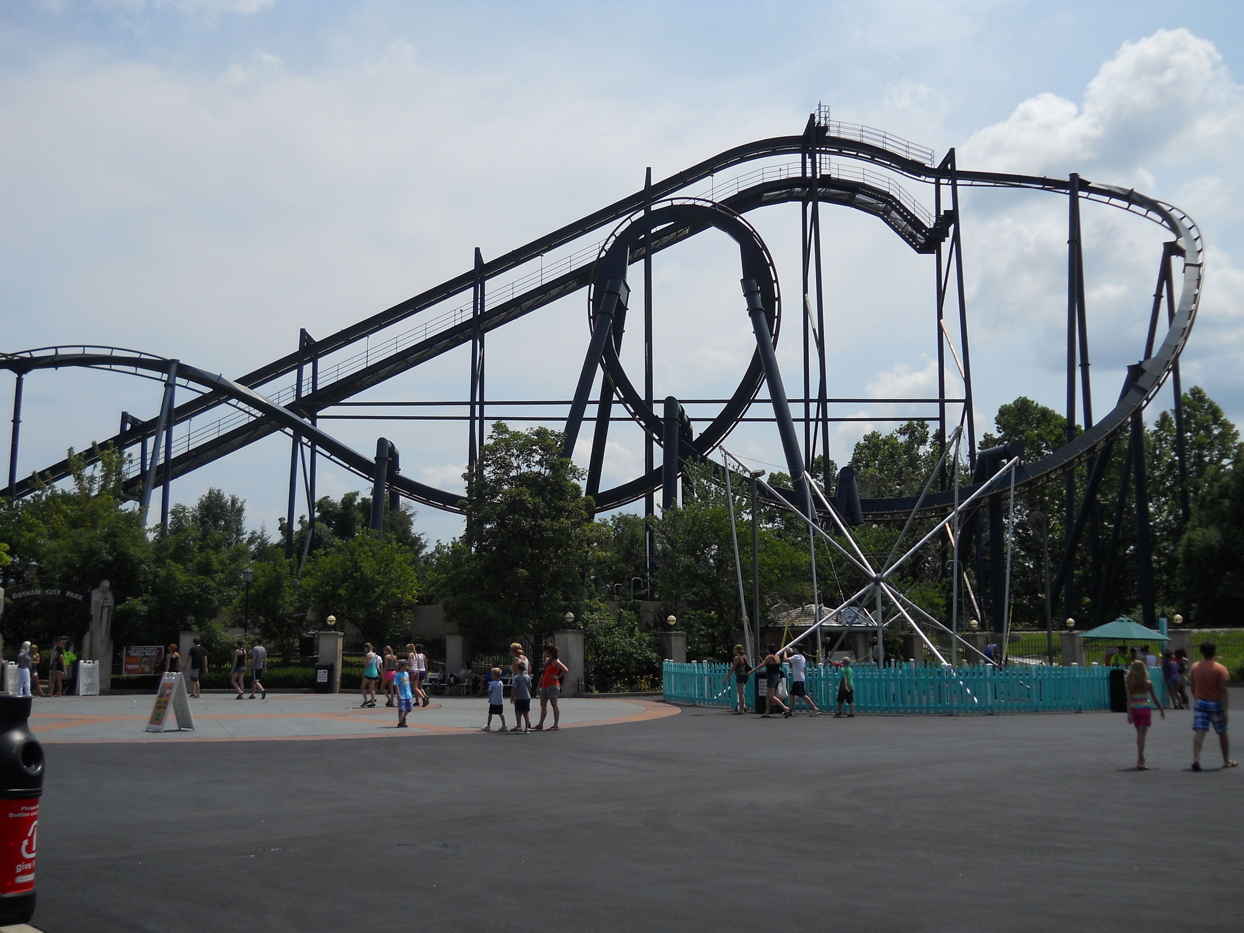 Batman Six Flags St Louis Mo Inverted Looping Steel Coaster St Louis Missouri Scenery Theme Park