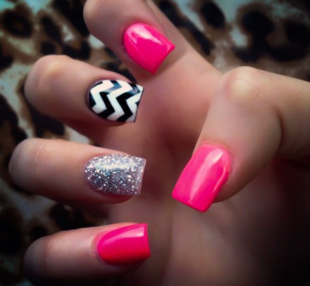 I loved my nails like this! Pink, chevron & glitter acrylics