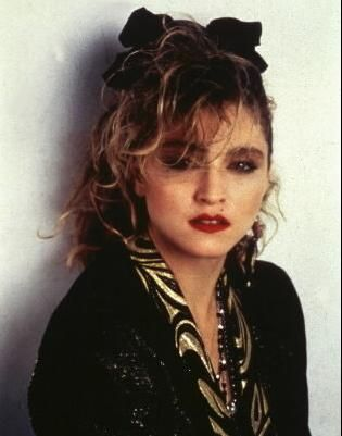 Madonna Wearing A Wrap Http Jfrassini Com For Head Wraps 80s Hair Madonna 80s Fashion Madonna 80s