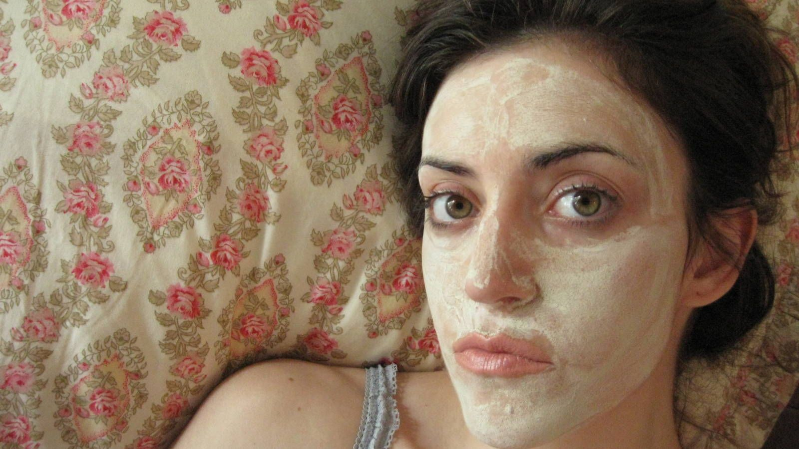 How to give yourself a facial when youre too broke to go to the spa how to give yourself a facial when youre too broke to go to the spa even if youre not broke at home facials are easy like sunday morning solutioingenieria Choice Image