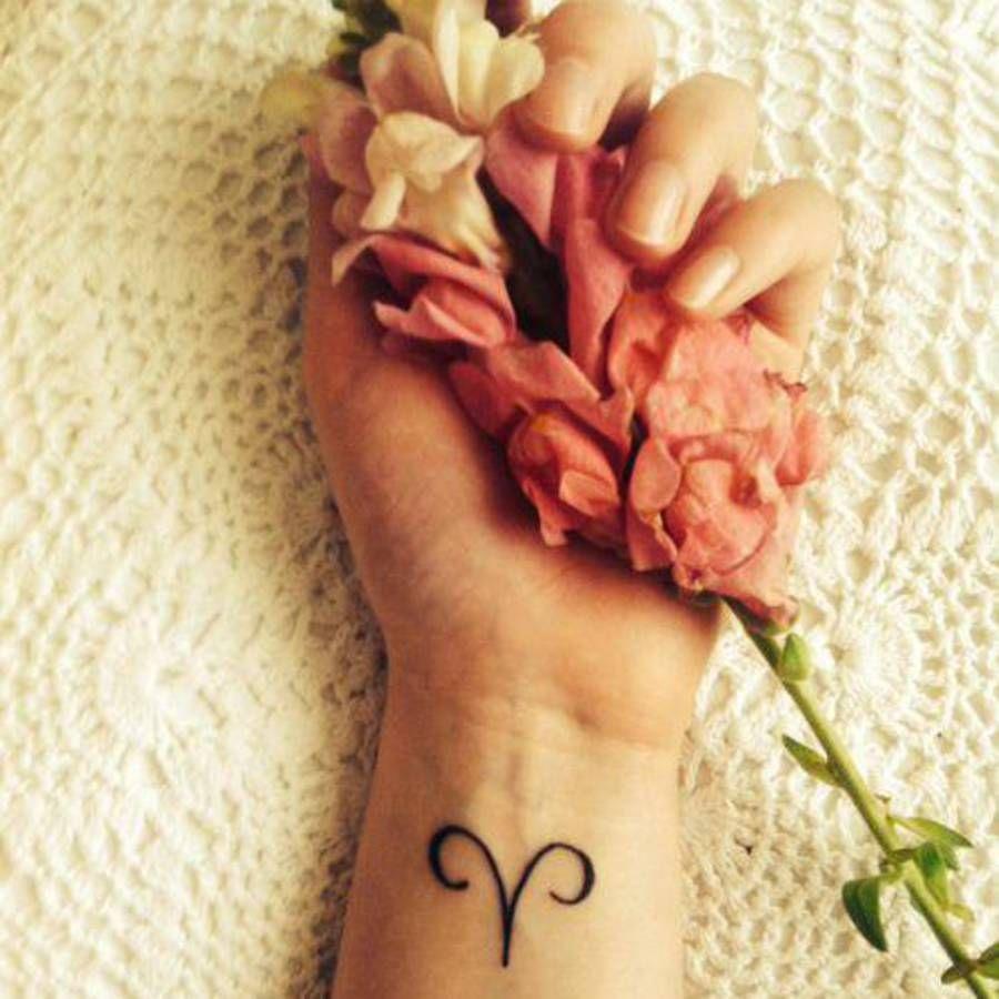 Tatouage Signe Astrologique Belier Symbole Tatouages Du Signe Zodiaque Du Belier Tatouage Signe Astrologique Tatouage Belier