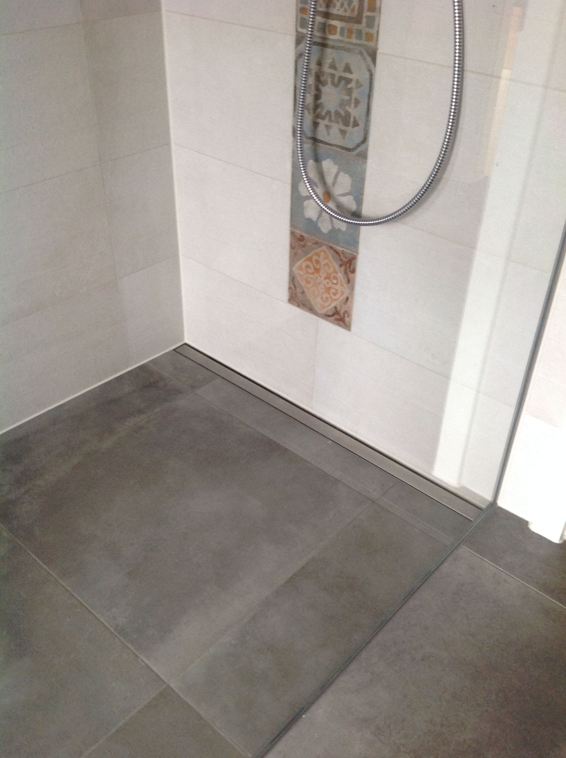 betonoptik fliesen panaria serie memory mood duschrinne blanke pinterest. Black Bedroom Furniture Sets. Home Design Ideas