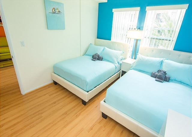 Two Bedroom Los Angeles Vacation Apartment LALUX-2P# ...