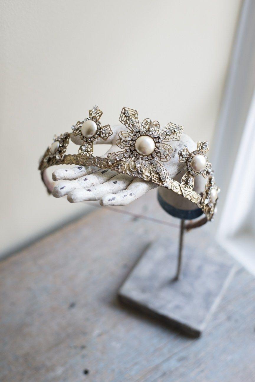 Wedding crown, bridal headpiece, filigree, antique, bridal tiara, vintage #bridalheadpieces