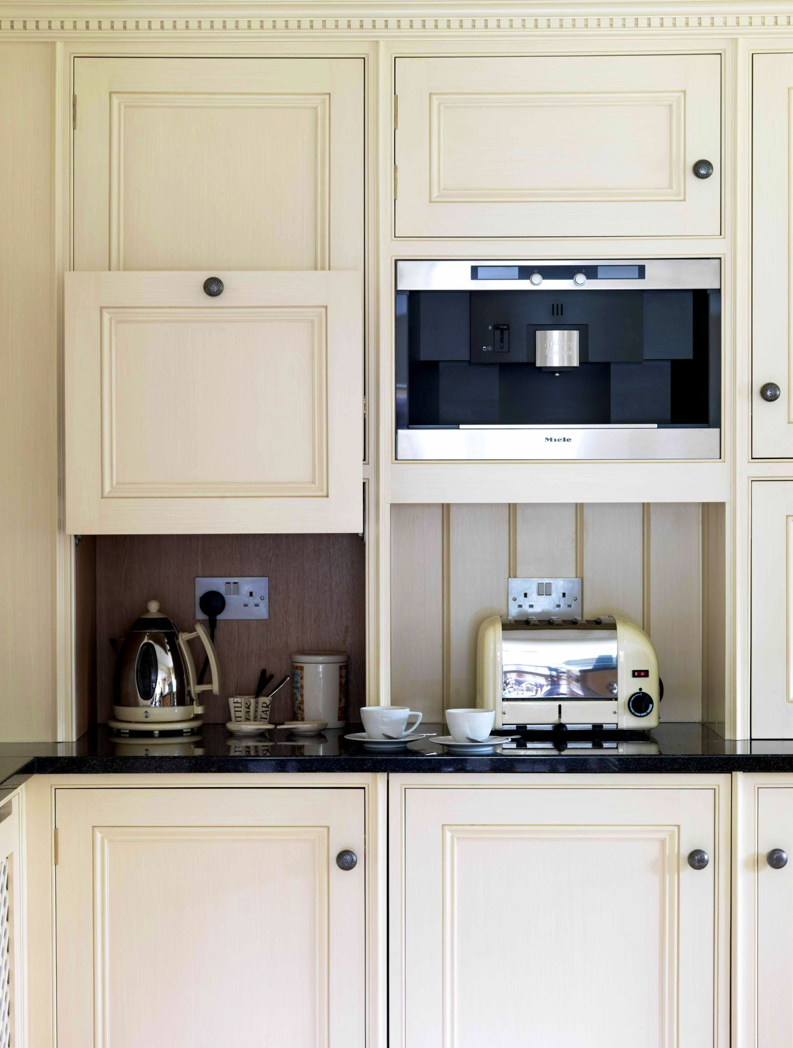 Hidden kitchen appliances leave room for more counter space ...