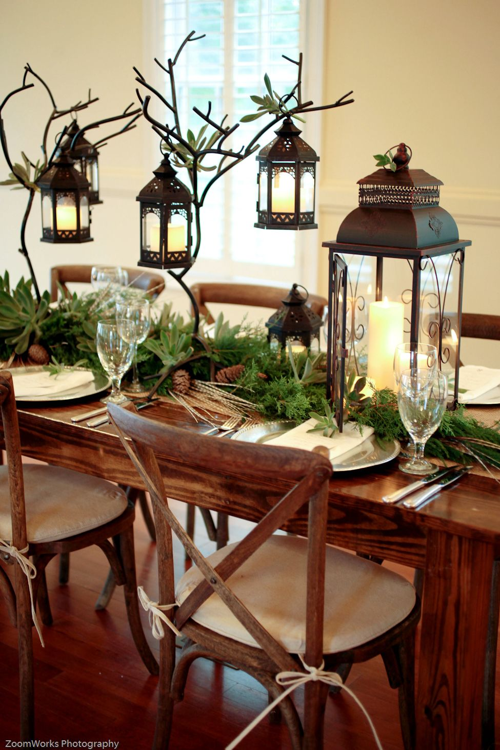 Christmas Tabledecor Lanterns Christmasdecorations Christmas Dining Room Table Christmas Table Settings Lanterns Decor