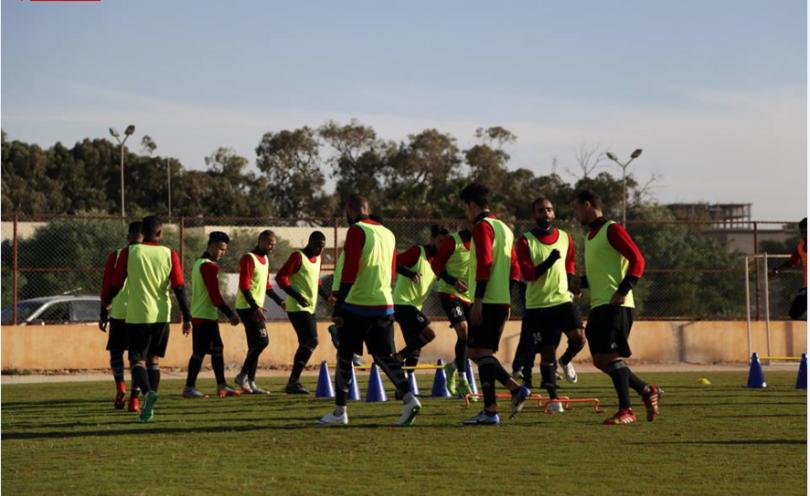 الأهلي بنغازي يكثف تدريباته استعدادا لمواجهة اليرموك في كأس ليبيا لكرة القدم Https Ift Tt 2q4uq7o Soccer Field Soccer Sports