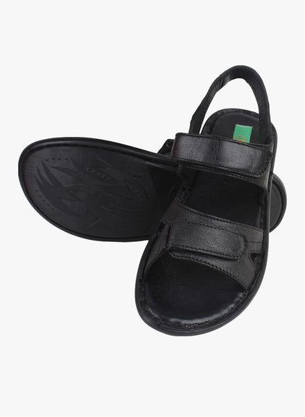 5c91fcb39 Buy Guava Black Sandals for Men Online India