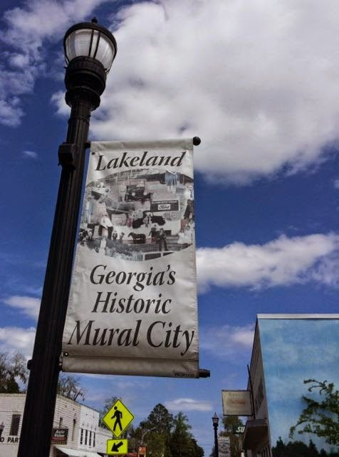 Travelonz: Milltown Murals of Lakeland, GA