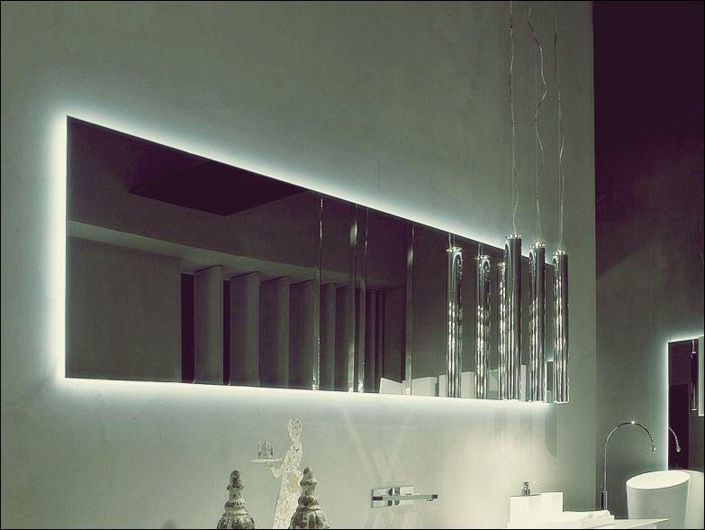 Origineller Badezimmerspiegel Mit Licht Individuelle Ausstattung