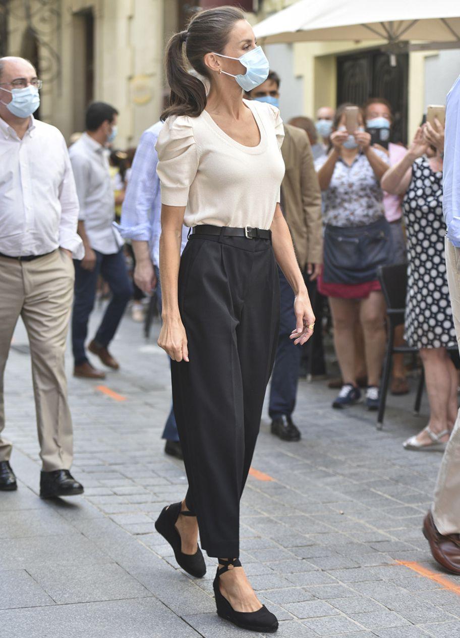 Königin Letizia trägt den perfekten Sommer-Schuh-Trend mit Absatz