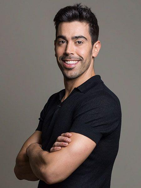 ¡Carlos Ugarriza gran bailarín y actor cosmopolita aterriza en nuestro show de estética multicolor y glamour!